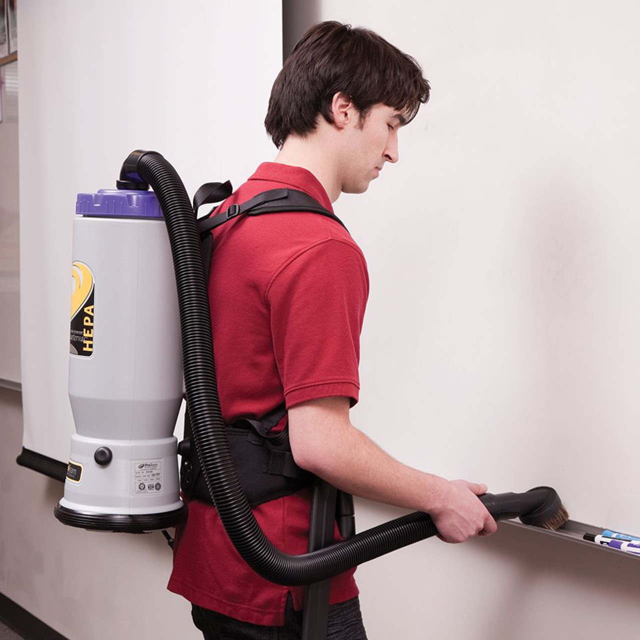 With this vacuum you can easily pick up fine particles like chalk with no worries about blowing dust around the room.