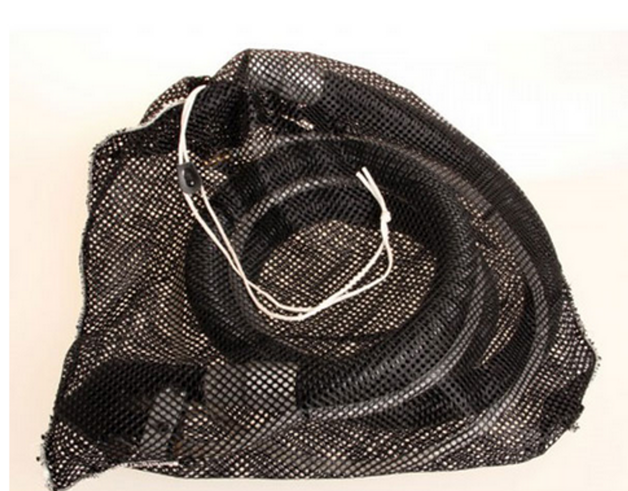 The mesh bag makes carrying the upholstery kit easy to store and transport.