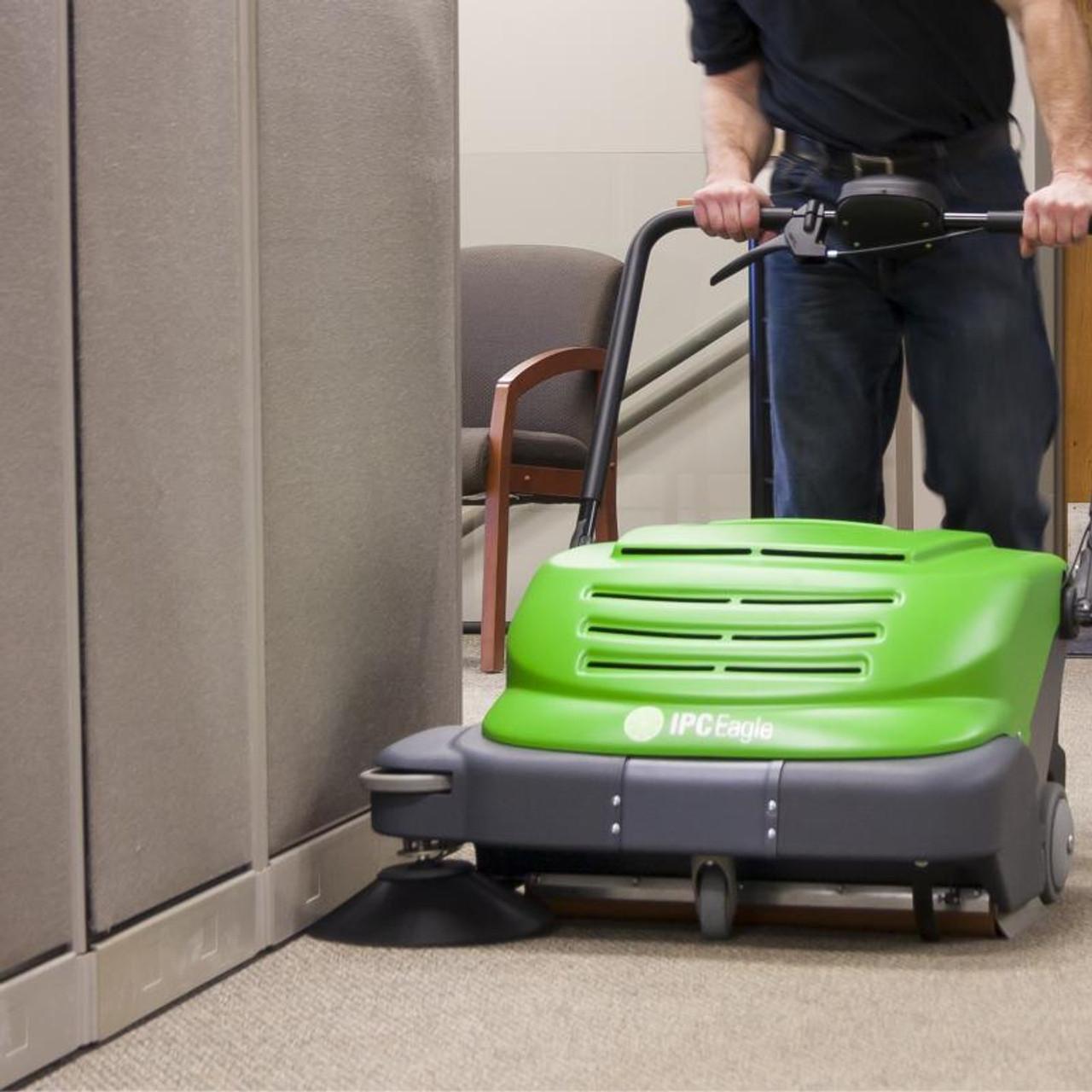 SmartVac 664 cleans along baseboards