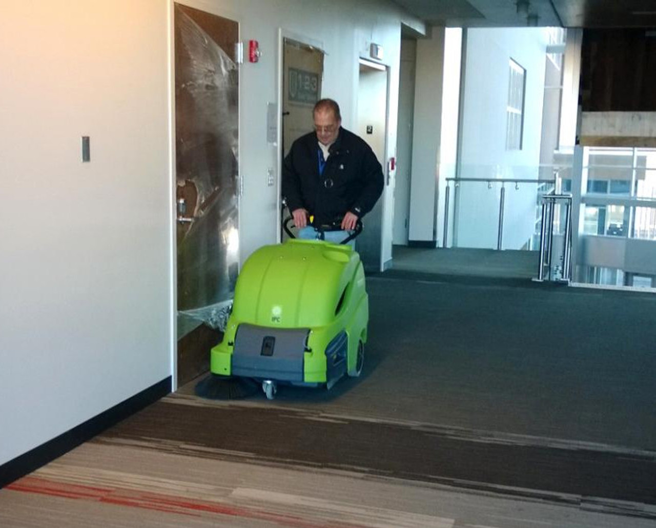 Leave no dirt behind in doorways with the 512 sweeper!