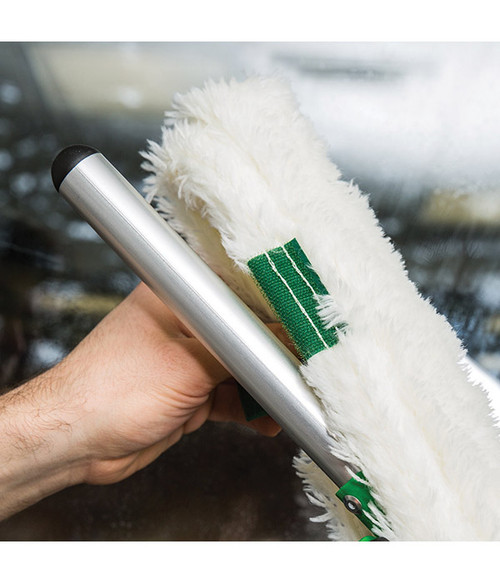 Compatible with all Unger washer sleeves and telescopic poles.