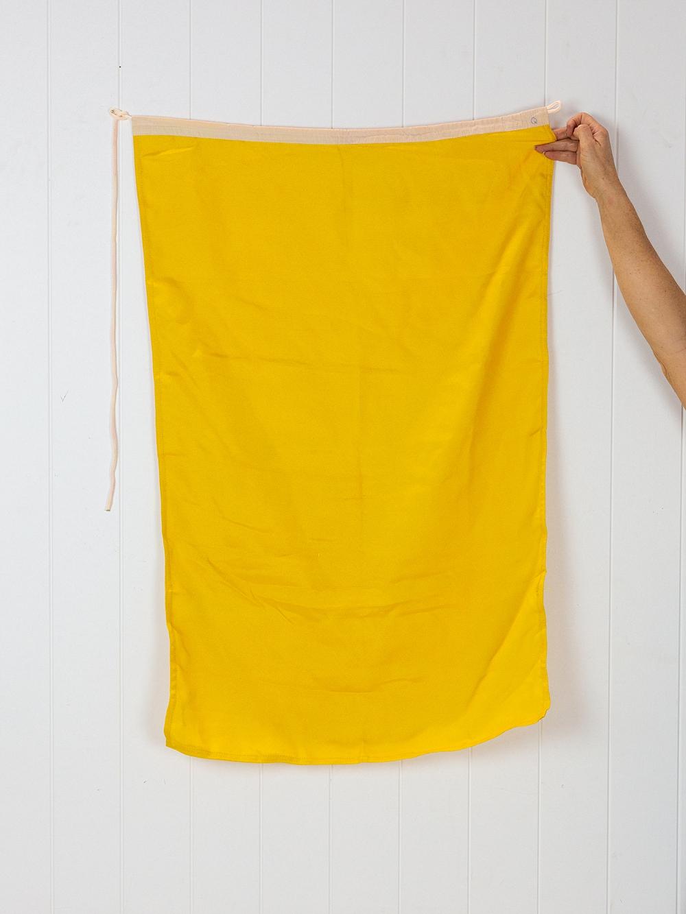 Flag Q #7241