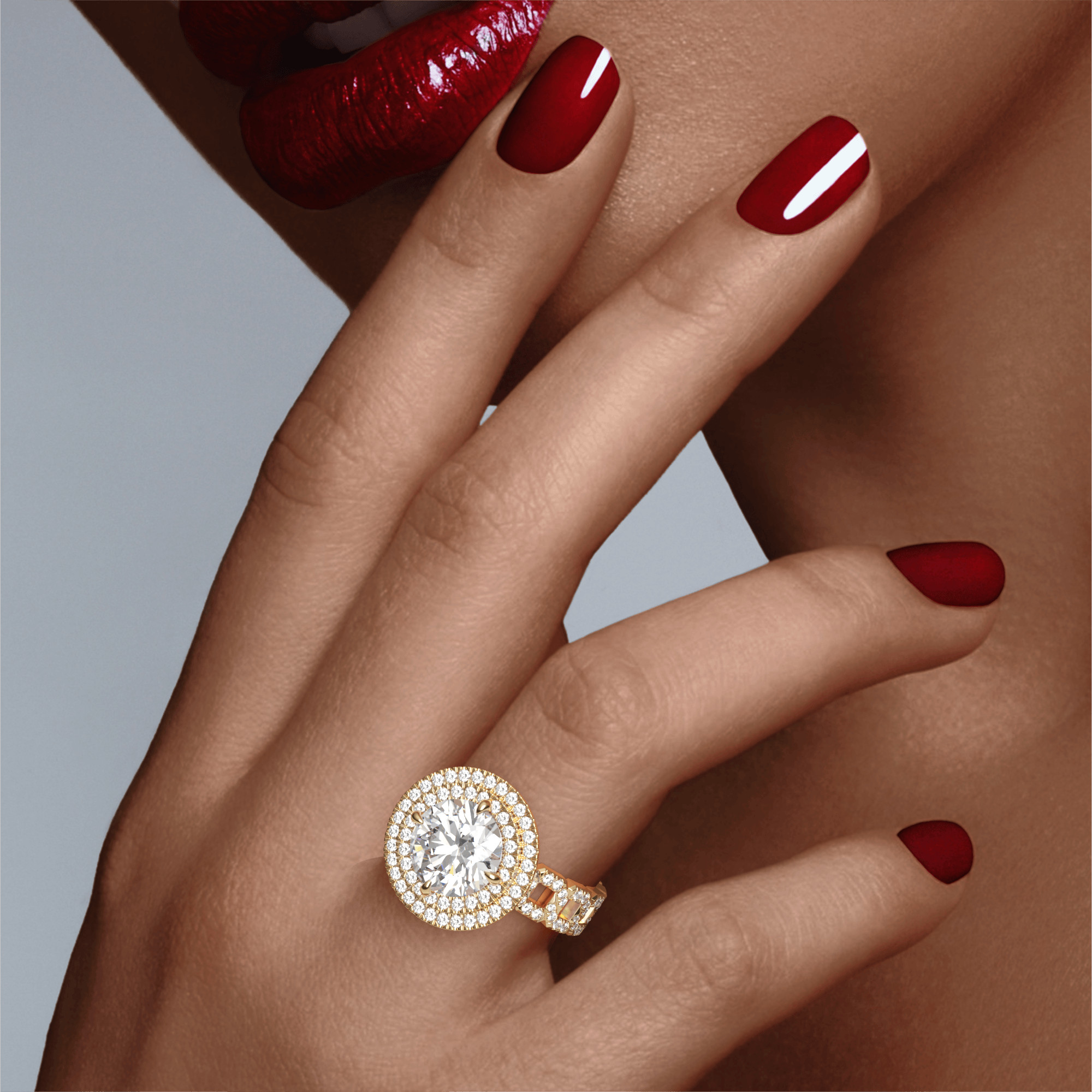 ROUND CUT, DOUBLE HALO SETTING, 16 PAVE LINKS, 18K YELLOW GOLD