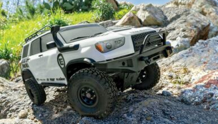 Enduro Trail Runner 4x4 RTR RC shown crawling thru the trails with ease|Rebel RC