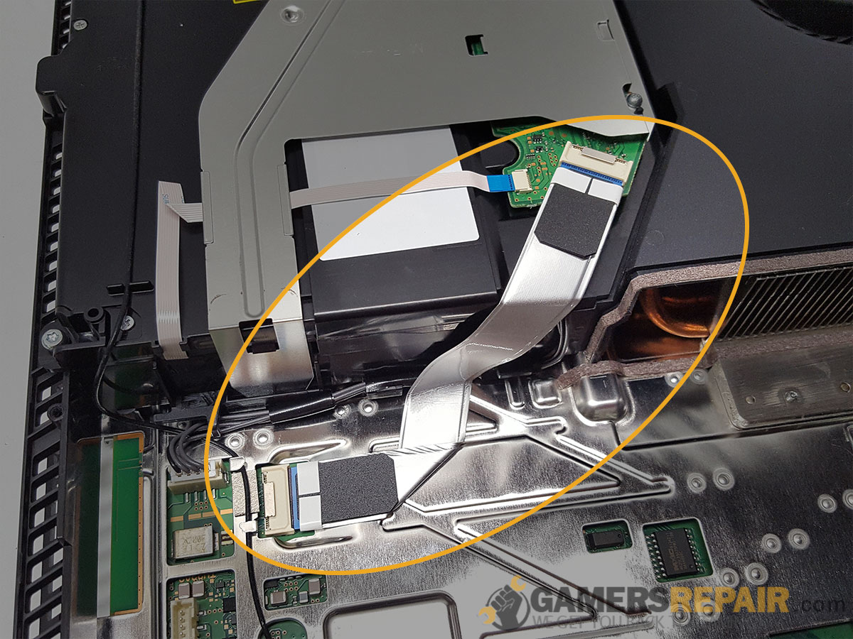 ps4-disc-drive-power-cable-installed-2.jpg
