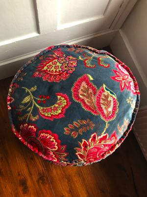 Malisa Round Cushion
