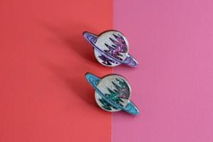 Saturn Pin