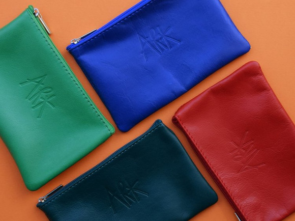Medium Flat Leather Pouch
