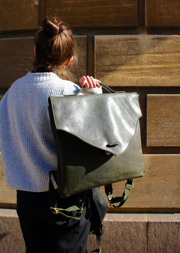 Washed leather rucksack - green