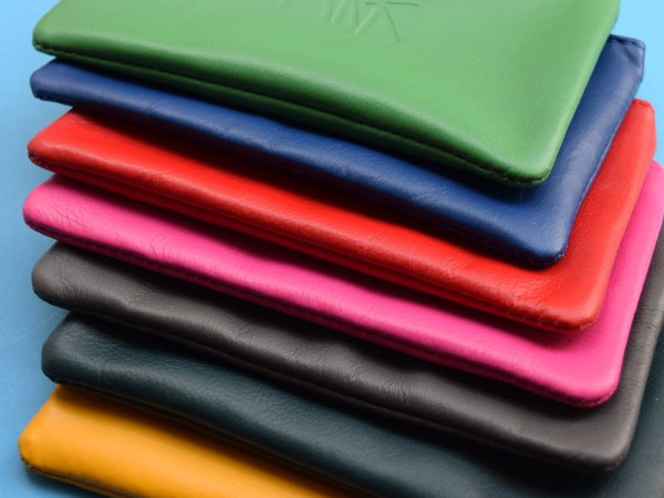 Medium Flat Leather Pouch