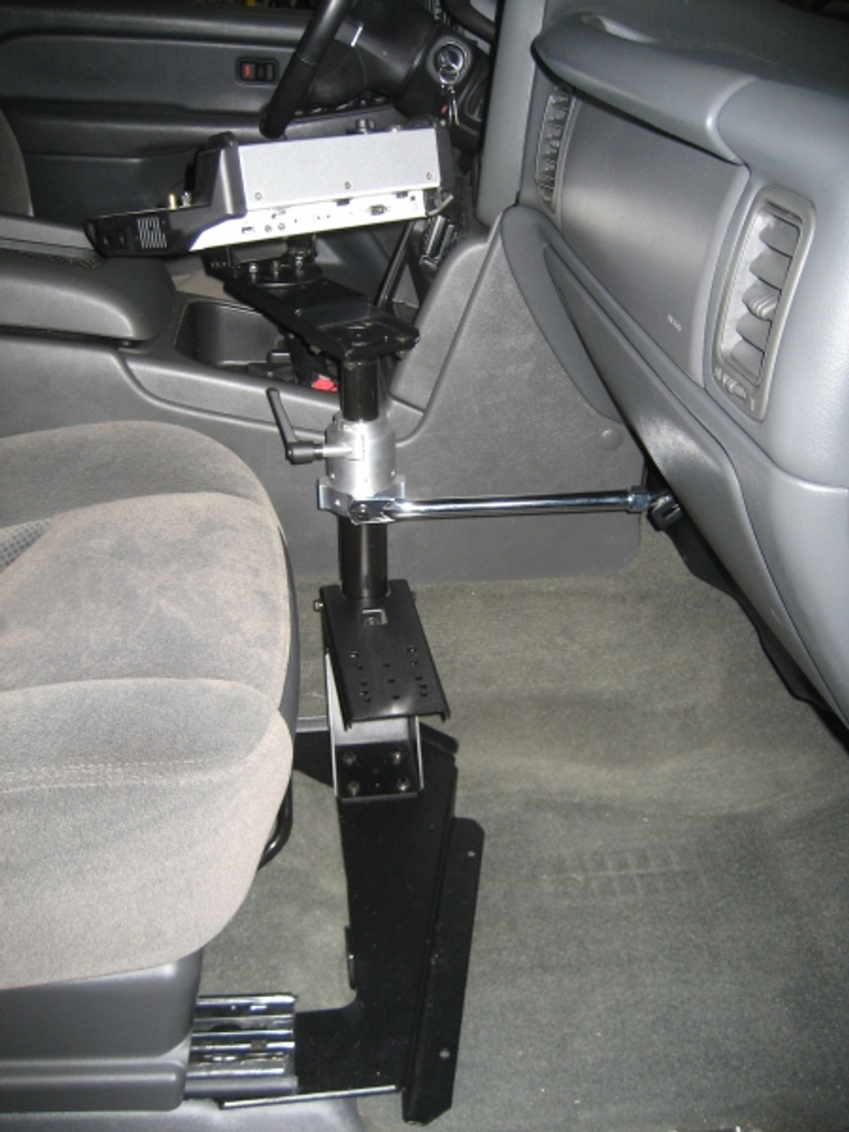 Heavy Duty Passenger Side Vehicle Mounting Base by Havis