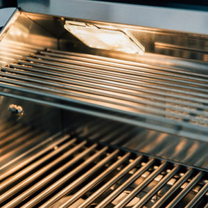 Summerset TRL 32-Inch 3-Burner Natural Gas Grill With Rotisserie - TRL32-NG