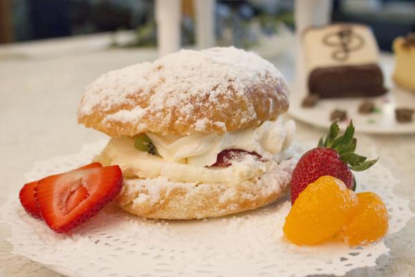 Fruit and Cream Croissant
