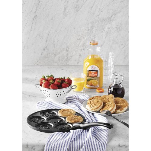 Nordic Ware Mini Pancake Pan (Assorted Styles) ( 980131291 )