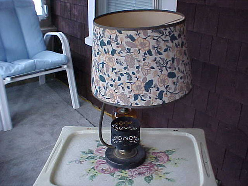 Black Rod Iron Table Lamp with shade (bri)