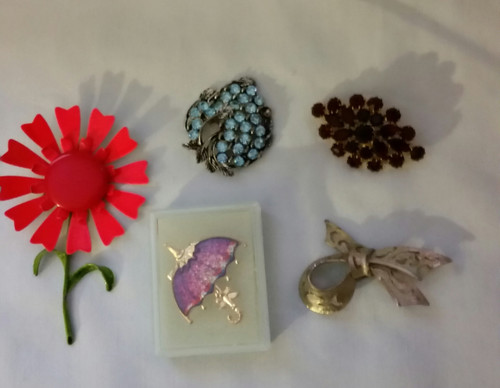 Vintage Jewelry Pins Buy the Lot (pins lot 1)