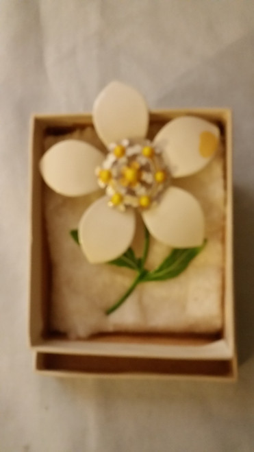 Vintage Ladies Flower Pin (vlfp)