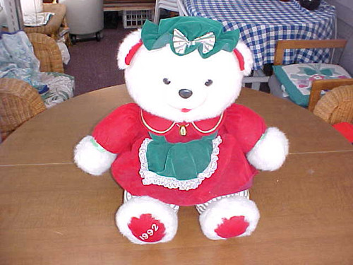 Collectible 1992 Female Kmart Christmas Bear (1112/22)