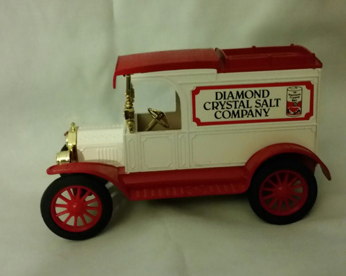 Ertl Replica Ford 1913 Model T Van Bank Diamond Crystal Salt Company (bs dcs)