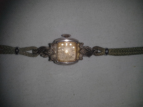 Vintage Foxy Ladies Watch (vflw)