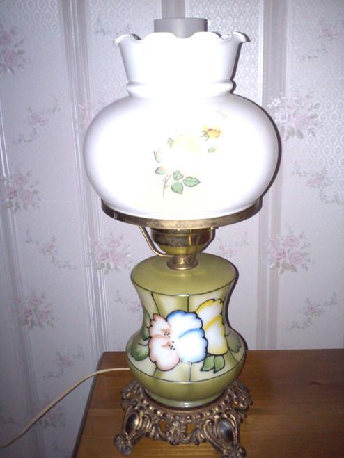 Vintage Brass & Glass Table Lamp (vbgtl)