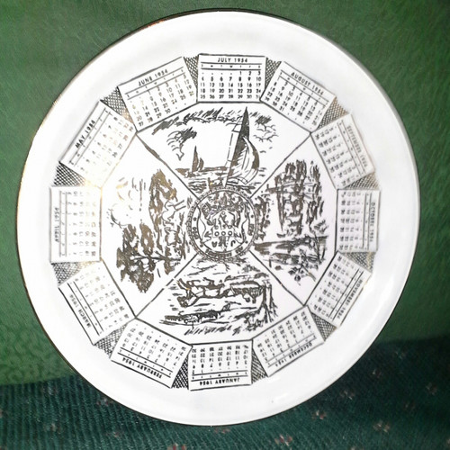 "Vintage Ceramic 9"" Calendar Plate (vc 9)"