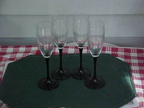 Vintage Champagne Flutes set of 4 (14/8)