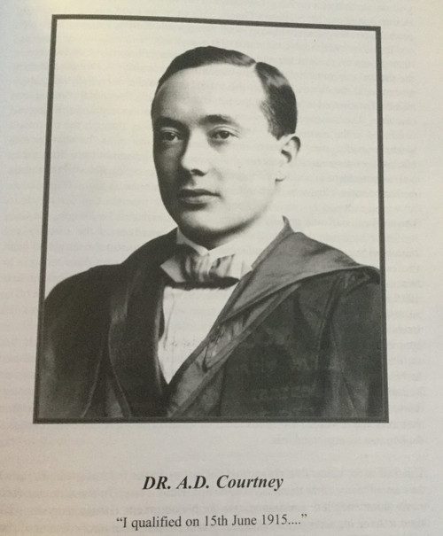 Courtney, AD Louis  - I Go Alone : Memoirs of a Rural Irish Doctor 1891-1985