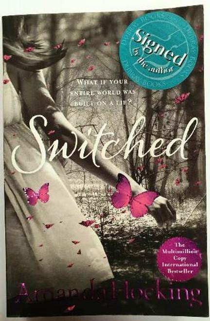 Amanda Hocking / Switched (Signed by the Author) (Paperback)