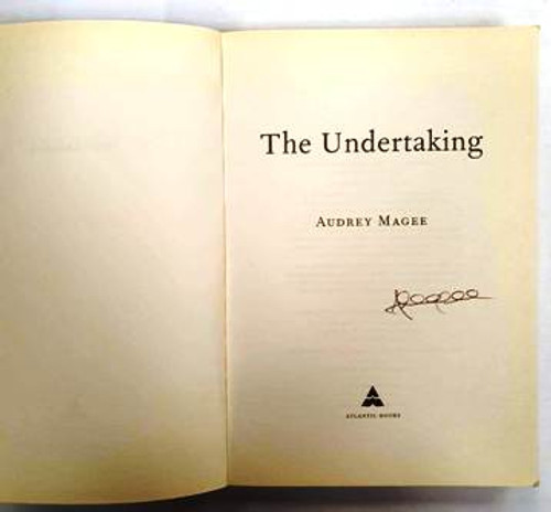 Audrey Magee / The Undertaking (Signed by the Author) (Paperback)