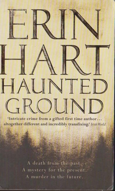 Hart, Erin / Haunted Ground