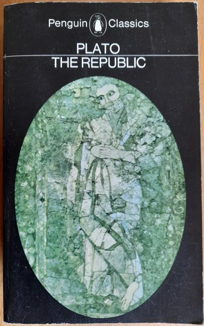 Plato, - The Republic ( Vintage Penguin Paperback - Translated by Desmond Lee