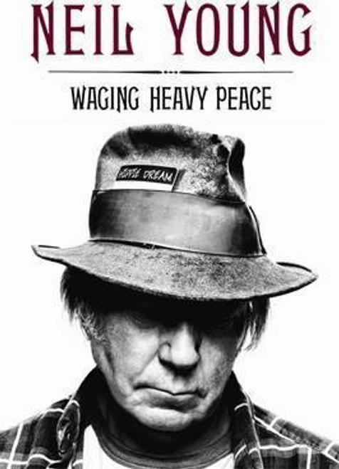 Young, Neil / Waging Heavy Peace : A Hippie Dream (Hardback)