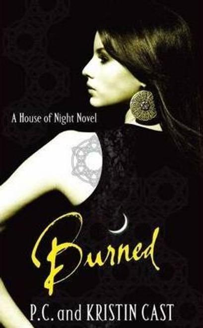 Cast, Kristin / Burned : House of Night Book 7 (Large Paperback)