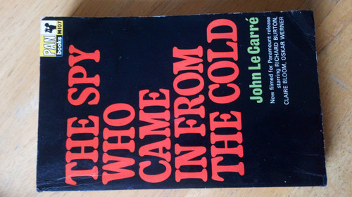 Le Carré, John - The Spy Who Came in from the Cold, Vintage Pan Pb edition Film Tie 1965 Cold War Classic