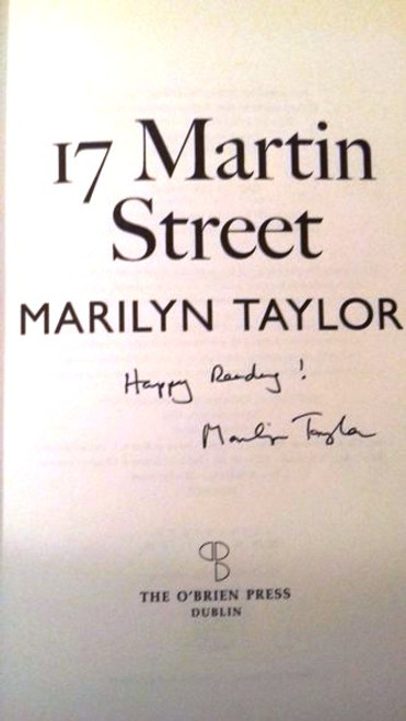 Marilyn Taylor / 17 Martin Street (Medium Paperback) (Signed by the Author)