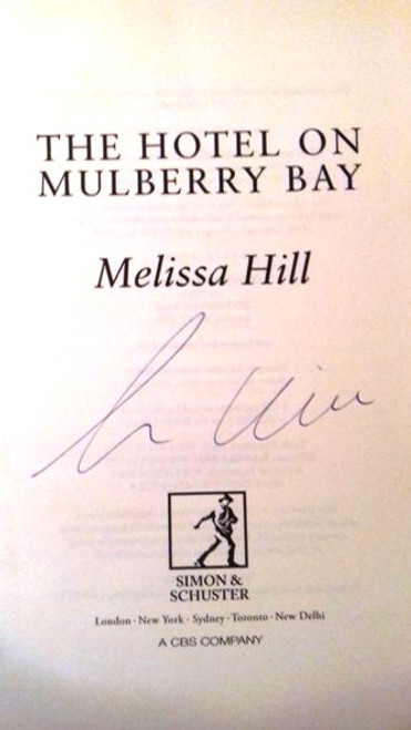 Melissa Hill / The Hotel on Mulberry Bay (Large Paperback) (Signed by the Author)