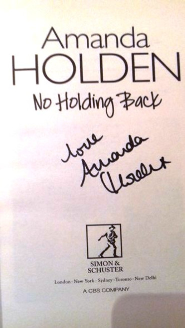 Amanda Holden / No Holding Back (Large Paperback) (Signed by the Author)