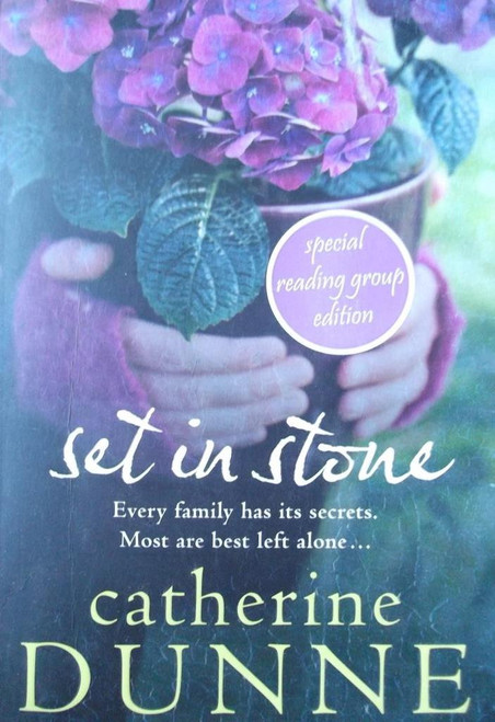 Dunne, Catherine / Set In Stone