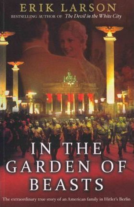 Larson, Erik / In The Garden of Beasts (Large Paperback)