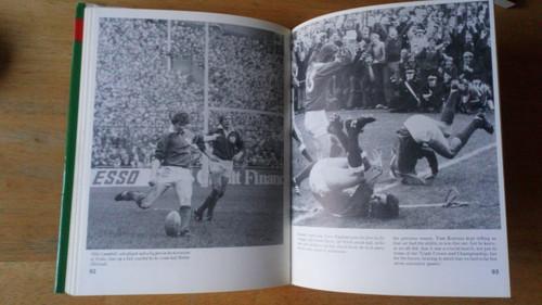 Van Esbeck - Irish Rugby Scrapbook Illustrated 1982