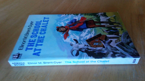 Brent-Dyer, Elinor M. - The School at the Chalet - Vintage Armada Books Ed -1982