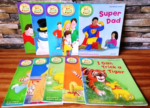 Roderick Hunt: Read with Biff, Chip & Kipper (10 Book Collection)