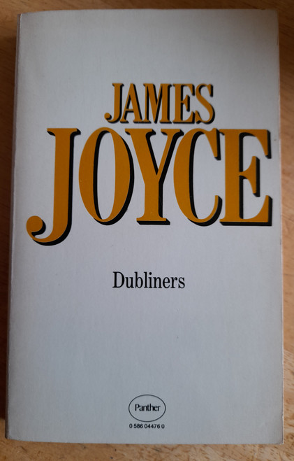 Joyce, James - Dubliners : Panther PB Ed 1979 - with Illustrations and notes by Robert Scholes
