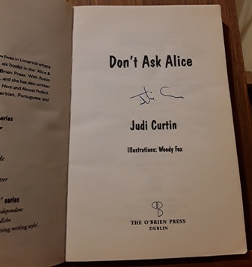 Judi Curtin / Don't Ask Alice (Signed by the Author) (Paperback)
