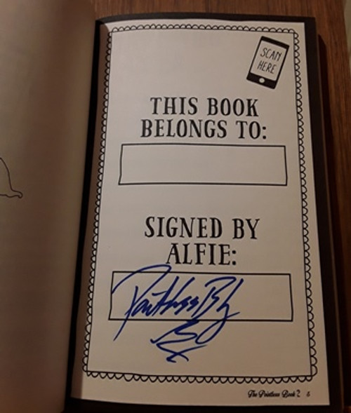 Alfie Deyes / The Pointless Book 2  (Signed by the Author) (Medium Paperback) (1)