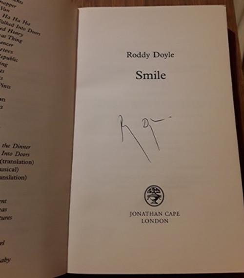 Roddy Doyle / Smile (Signed by the Author) (Medium Paperback)