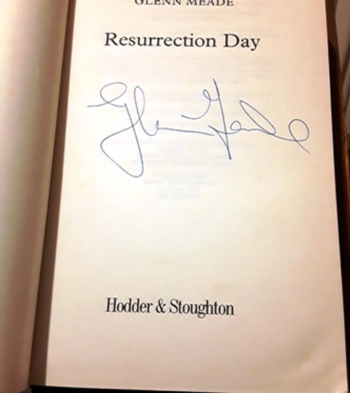 Glenn Meade / Resurrection Day (Signed by the Author) (Large Paperback)
