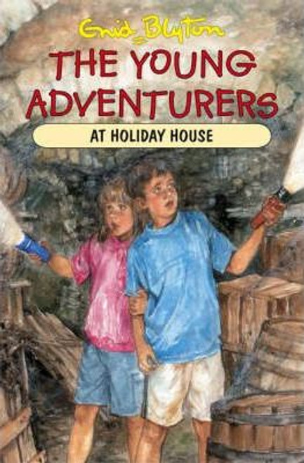 Blyton, Enid / The Young Adventurers at Holiday House