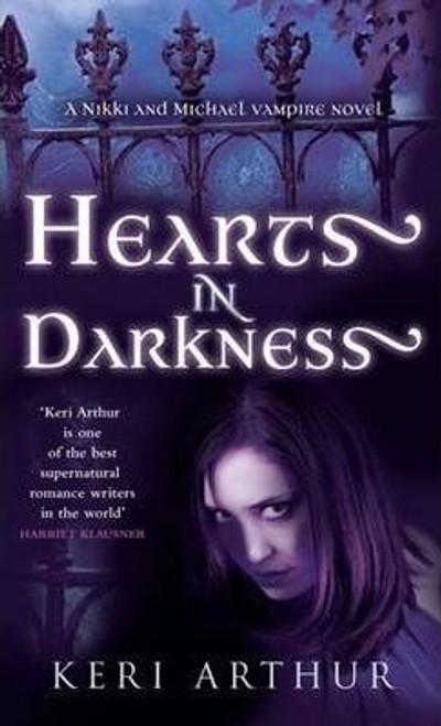 Arthur, Keri / Hearts In Darkness